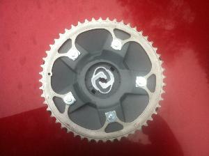 Image de référence de l'article Oborobo invente une roue crantée pour tondeuse Robomow